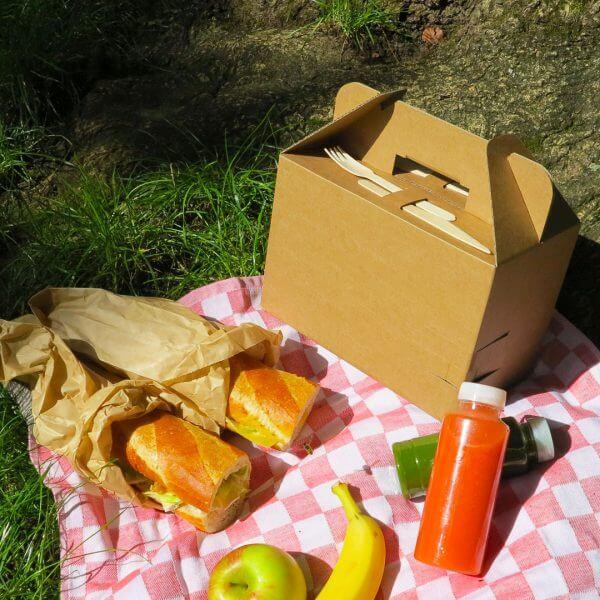 Picnic box for corrugated board catering