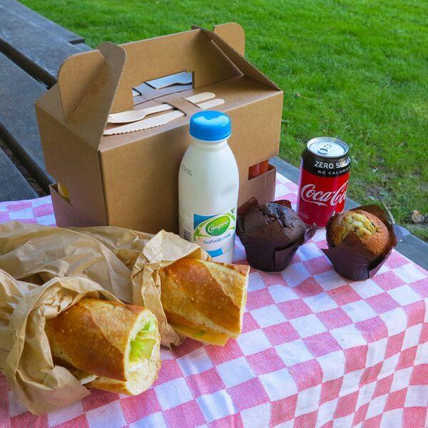 Lunch box made of cardboard