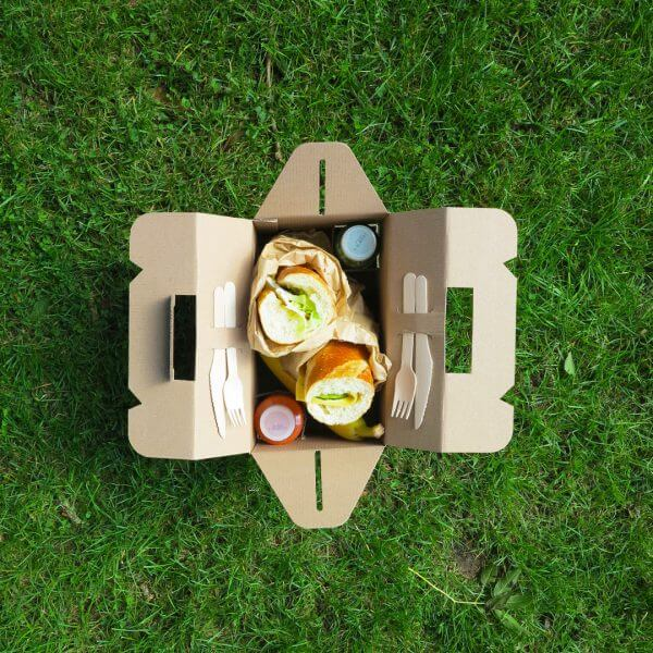 Breakfast box for catering made of cardboard